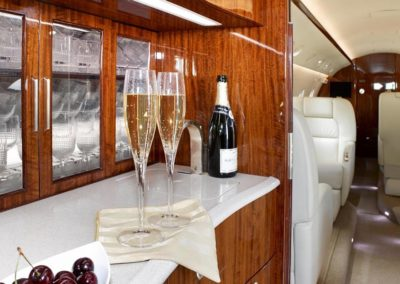interior-design-aircraft-executive-aircraft-maintenance-galley-G200